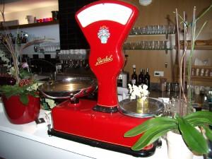 Restaurant Rudolphs, Deko-Waage