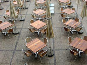 Biergarten-Tische von oben