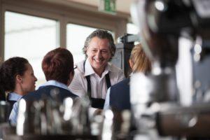 Barista Graziano Chessa lehrt an der Thibo Espresso Akademie