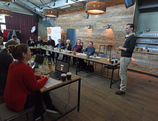 Brox Gründer Konrad Knops vor GastroStartup Jury