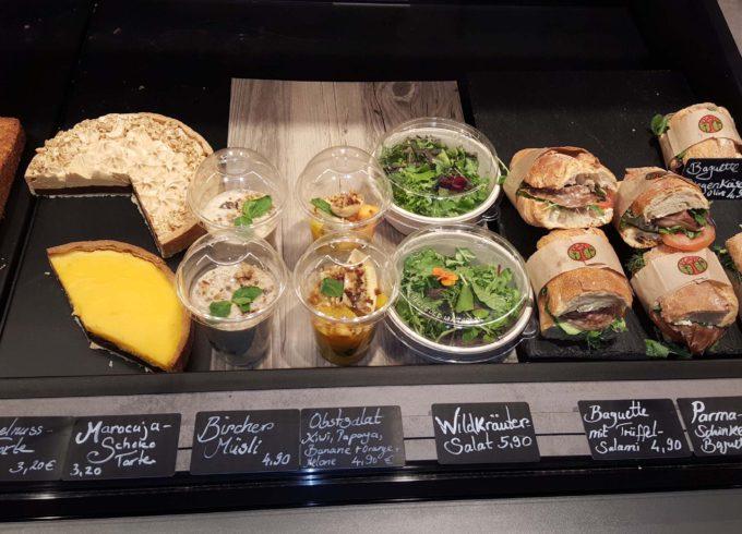 Genusshelden: Salate und Brote