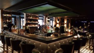 Tortue Hamburg: Bar Noir Tresen