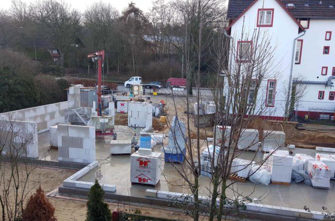 Baubeginn hinter dem Donnerwetter
