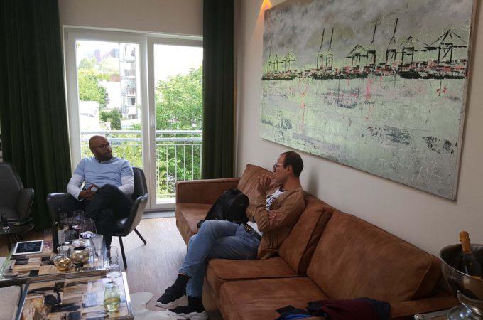 Alsterloft: Kevin von Holst und Trendscout Nico im Gespräch