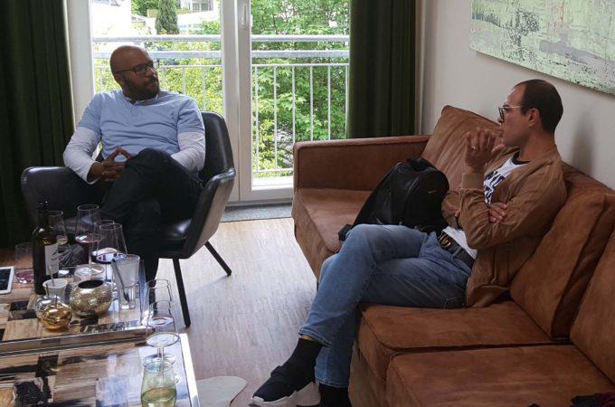 Kevin von Holst und Trendscout Nico im Gespräch